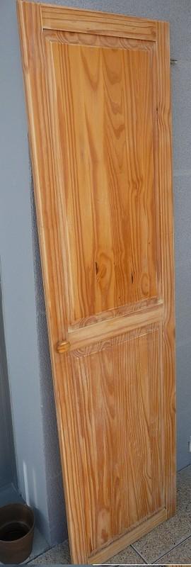 une porte d 39 armoire en renovation. Black Bedroom Furniture Sets. Home Design Ideas